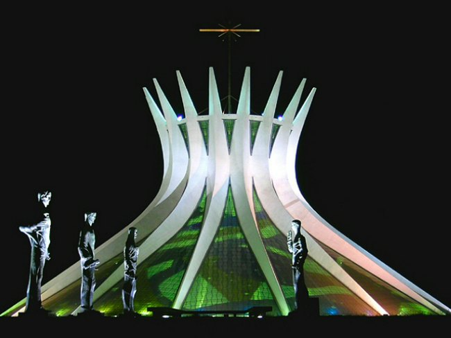 The Art Curator for Kids, Architecture Lessons, Cathedral of Brasilia at Night, Photo Credit-Victor Soares-ABr. - Agência Brasil
