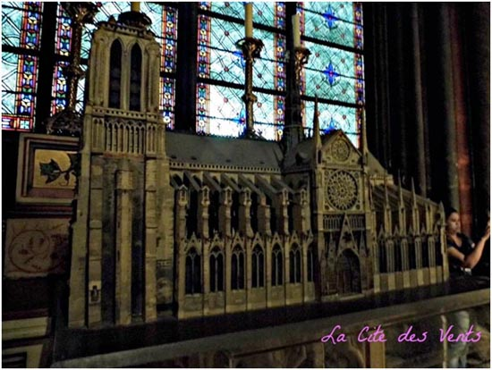 14 - The Art Curator for Kids - Notre-Dame Cathedral of Paris