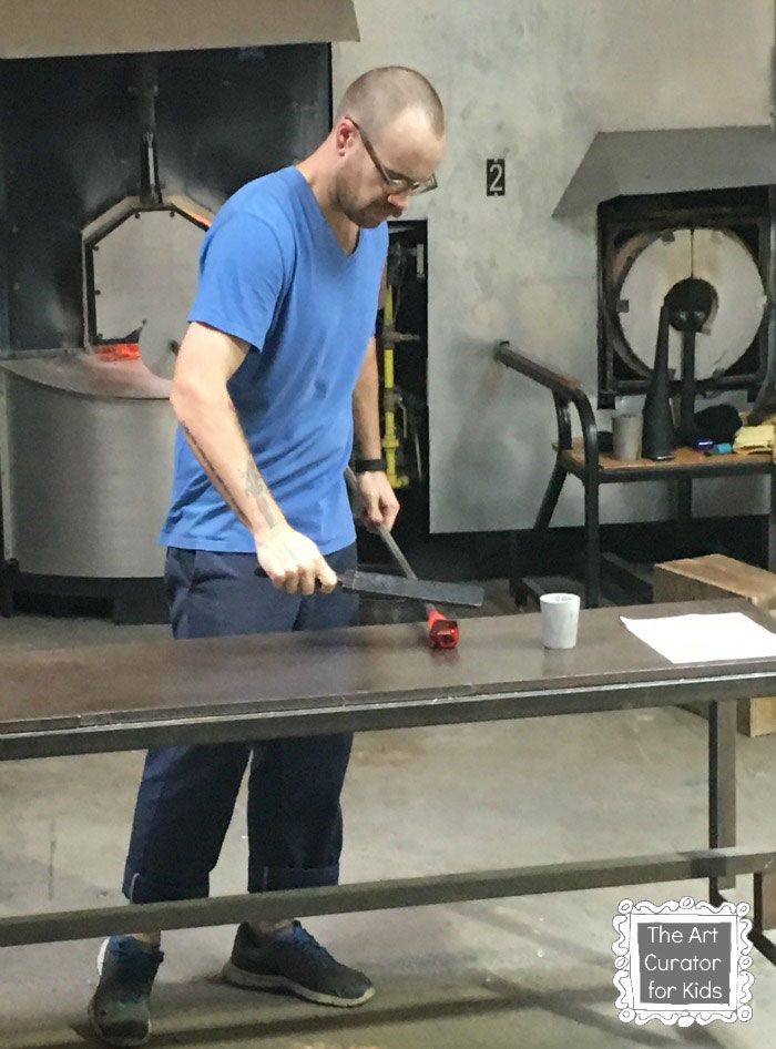 The-Art-Curator-for-Kids---Glass-Blowing-Field-Trip-and-Lesson---Glass-Blowing-Demonstration---Rolling-Glass-on-Marver